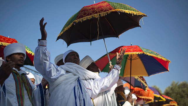 Israeli-Ethiopian elders performing the Sigid ritual in Jerusalem (Photo: Reuters)