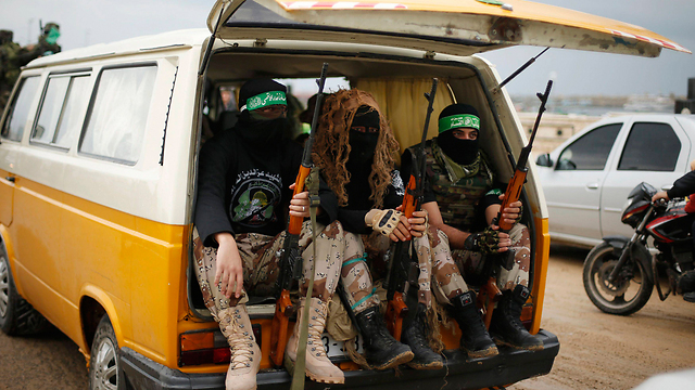 Hamas fighters on parade (Photo: Reuters) (Photo: Reuters)