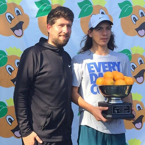 Yshai Oliel and his coach Jan Pochter (Photo: Israel Tennis Association)