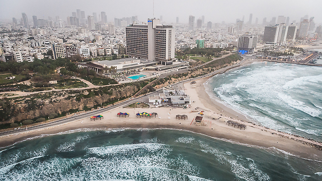 Tel Aviv's beach on Tuesday (Photo: Israel Bardugo)