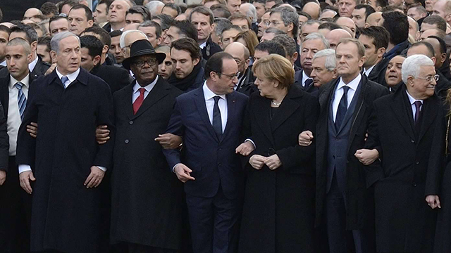 http://images1.ynet.co.il/PicServer4/2015/01/11/5810231/AFP0237857-01-08583907_v.jpg
