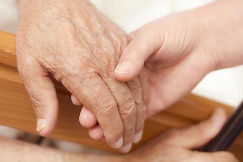 אני וסבתא (קרדיט: Shutterstock)