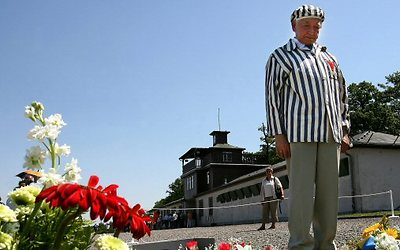 A former prisoner marks 70th anniversary of Buchenwald's opening. (Photo: AFP)