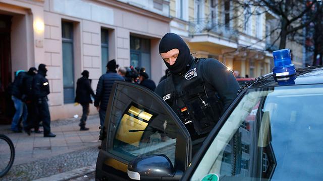 הפשיטה בברלין, הבוקר (צילום: רויטרס)