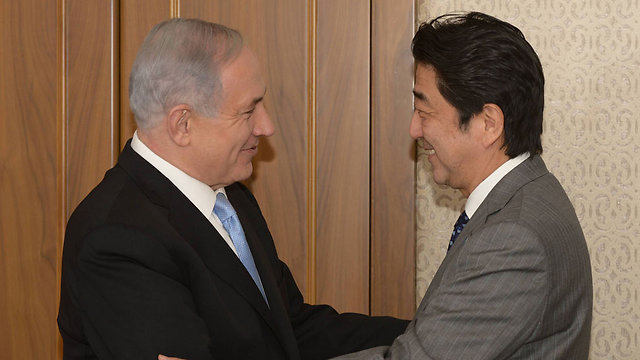 Prime Minister Benjamin Netanyahu with Japanese Prime Minister Shinzo Abe (Photo: Amos Ben Gershom/GPO)