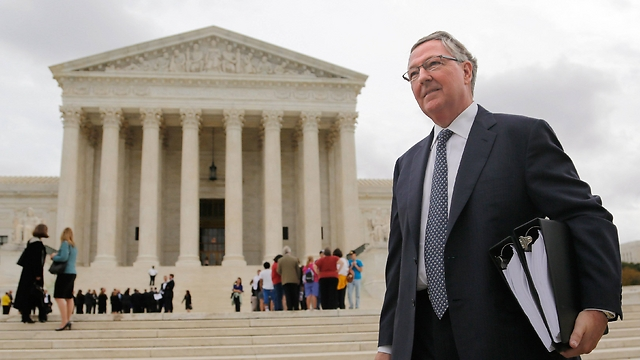 Attorney Carter Phillips represents Teva at Supreme Court. (Photo: Reuters)