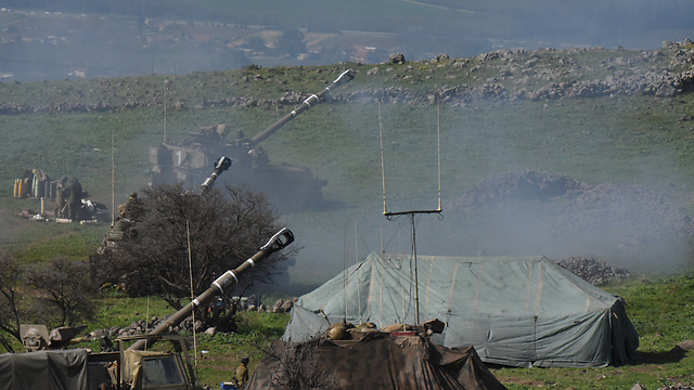 IDF return fire into Lebanon (Photo: Avihu Shapira)