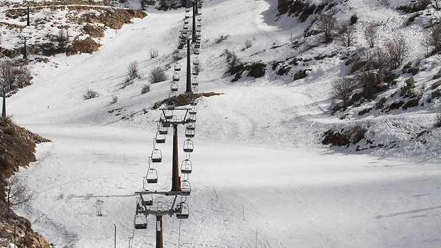 The ski lift at the Hermon resort on Thursday (Photo: Ido Erez)