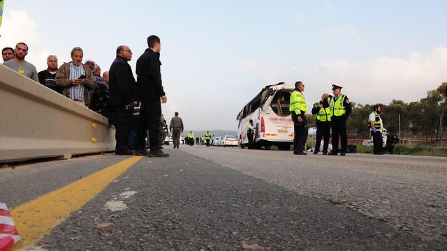 תאונת אוטובוס הנשים בכביש 31 (צילום: הרצל יוסף)