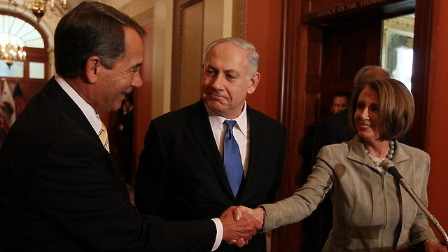 Netanyahu with Boehner and Pelosi (Photo: AFP)