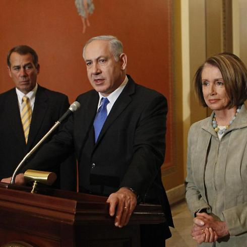Netanyahu, flanked by then-House Minority Leader John Boehner and then-House Speaker Nancy Pelosi, speaks to media on Capitol Hill in 2013 (Photo: AP