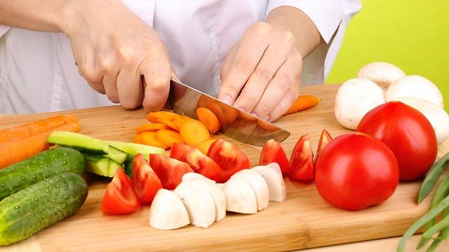 אל תוותרו על סלט ירקות (צילום: shutterstock)
