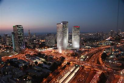כל הרווקים נוהרים אליה בהמוניהם. תל אביב (צילום: מוטי קמחי)