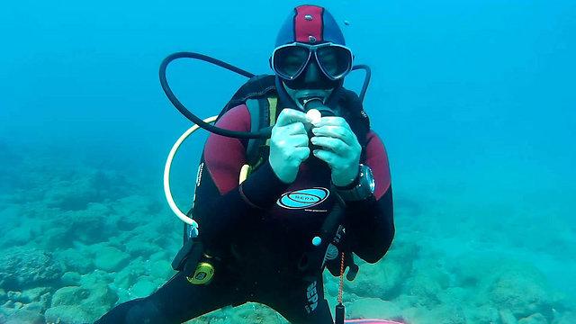 Diver Avivit Fishler (Photo: Tzvika Feuer)