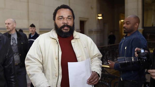 French comedian in court (Photo: AFP)