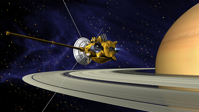 Cassini in orbit around Saturn (Photo: NASA/JPL/Caltech)
