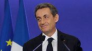 צרפת: סרקוזי ולה פן מתחזקים, מכה להולנד