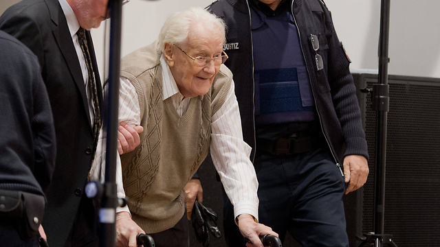 Oskar Groening in court. Acknowledged that he was 'morally guilty' of the horrors which took place at the camp (Photo: AFP)