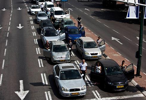 11:00 בתל אביב (צילום: רויטרס)