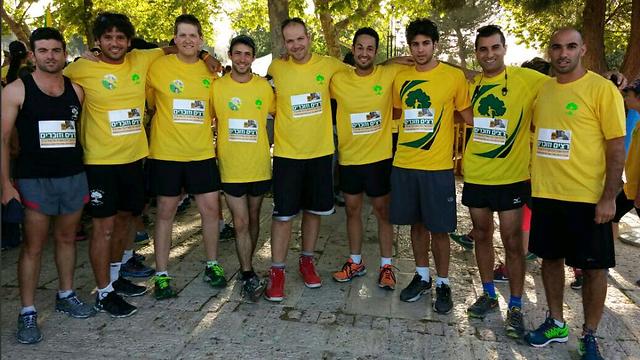 Golani members run marathon. (Photo: Avichai Shorshen)