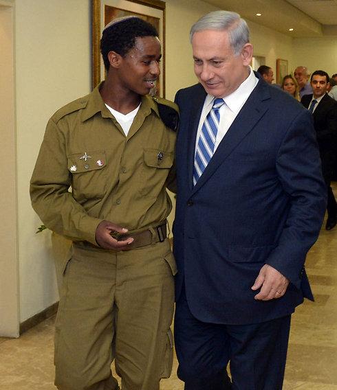 Netanyahu meets with Damas Pakada (Photo: Haim Tzah, GPO)