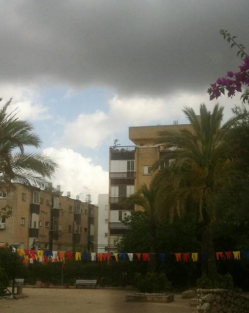 מעונן בכפר סבא (צילום:כרמי דיק)