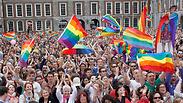 הכנסייה: העם רוצה נישואי גייז, אסור להתכחש