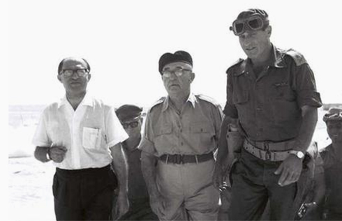 Menachem Begin (left), Levi Eshkol (center) and Maj.-Gen. Yeshayahu Gavish in Sinai (Photo: GPO)