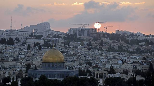 The lack of a comprehensive solution regarding the holy sights makes Palestinian cooperation with the SJJ plan unlikely. (Photo: Reuters)