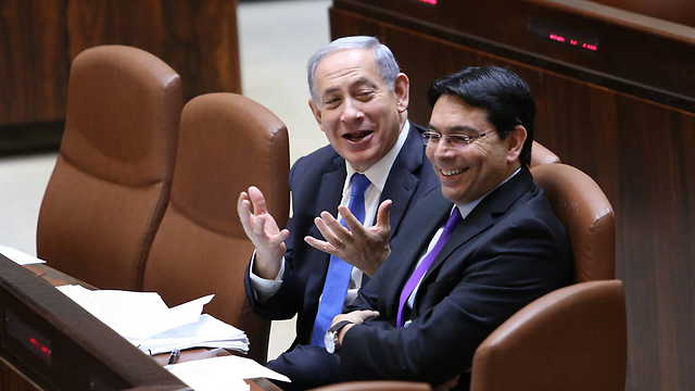 Danon and Netanyahu. A promotion that came from very little love (Photo: Gil Yohanan)