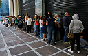 התורים לכספומטים ביוון (צילום: רויטרס)