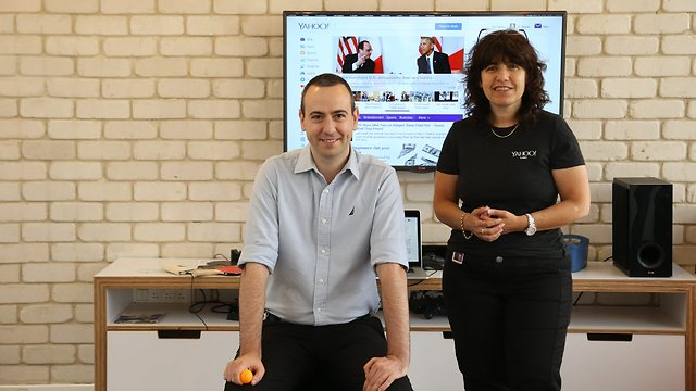 Head of Yahoo's research laboratories in Haifa, Yoelle Maarek (right), and head of Yahoo's development center in Tel Aviv, Ido Yablonka (Photo: Zvika Tishler)