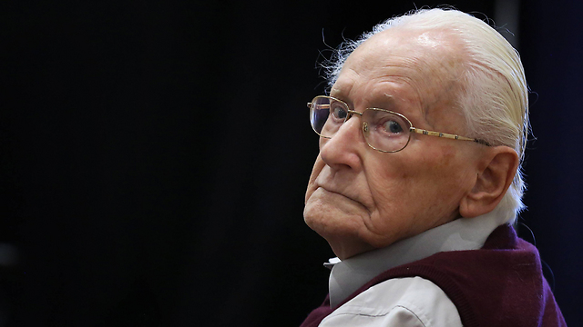 Oskar Groening on trail (Photo:AP)
