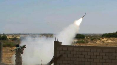Islamic State militant purportedly firing missile at Egyptian forces
