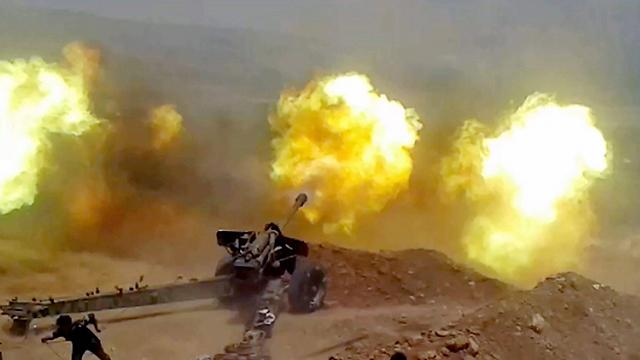 Syrian Army shells Zabadani outside of Wadi Barada in 2015 (Photo: EPA)