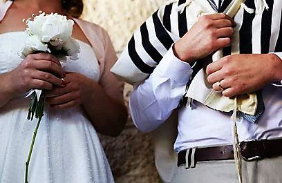"""""""חוק אזורי רישום נישואים"""" שאושר לפני כשנתיים, קובע כי קיום חתונה פרטית על פי ההלכה, מהווה עבירה פלילית שהעונש עליה הוא עד שתי שנות מאסר לאיש, לאישה ולעורך החופה (צילום: גאיה סעדון)"""