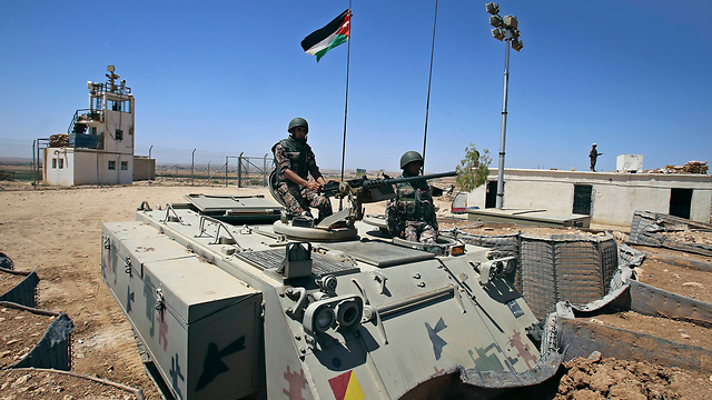 Jordanian forces on the border with Syria (Photo: AP)