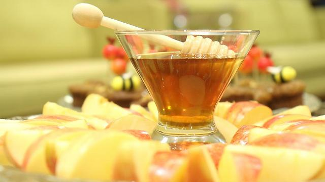 Israeli honey. (Photo: Hillel Maeir, Tazpit News Agency)