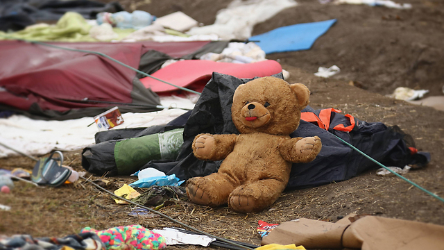 Someone's stuffed best friend had to be abandoned. (Photo: Getty Images)