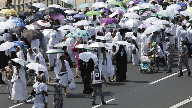Hajj piglrims at Mina on the day of the stampede (Photo: Reuters)