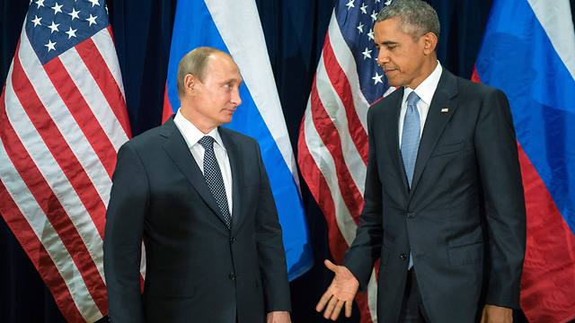 While Obama talks, Putin acts (Photo: EPA)