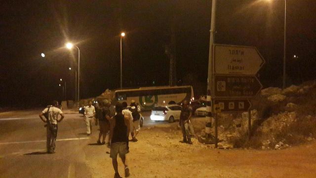 אזור פיגוע הירי (צילום: אהוד אמיתון סוכנות תצפית)