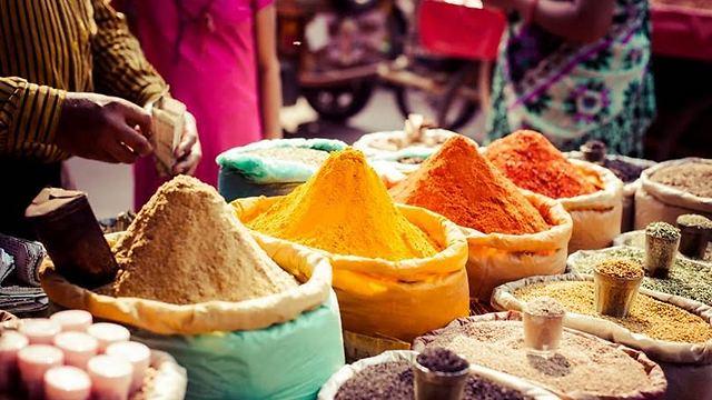Moroccan spice market (Photo: Aya ben Ezri)