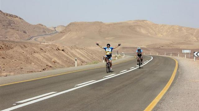"""בדרך מירושלים לאילת, מסע """"Israel Ride""""  (צילום: מכון הערבה)"""