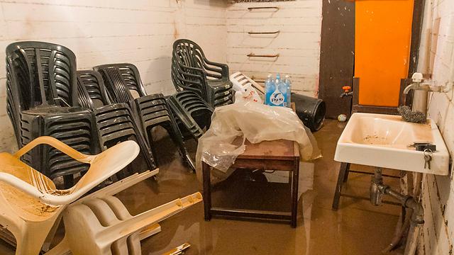 נזקי השיטפון ברעננה (צילום: עידו ארז)