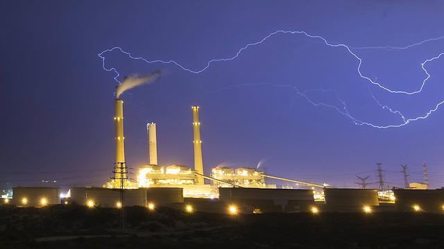 חגיגת ברקים, הלילה באשקלון  (צילום: רויטרס)