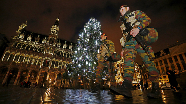 Soldiers on patrol in the Grand Place, Brussels. (Photo: Reuters)