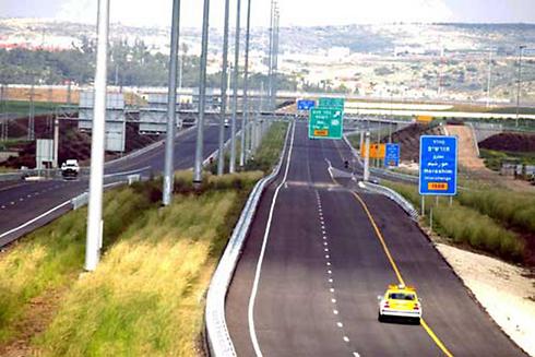 """כביש 6 - 120 קמ""""ש מיום רביעי (צילום: מיכאל קרמר)"""