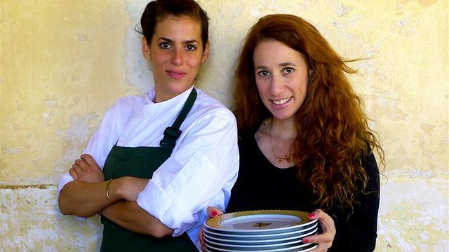 "אורי שביט (מימין) ושיראל ברגר, ""מיס קפלן"" (צילום:  בני ליפשיץ)"