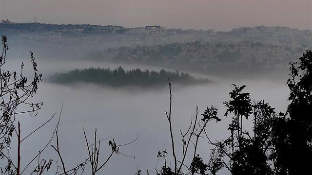 פסגת מצפה נפתוח בערפל (צילום: גיא שחר)